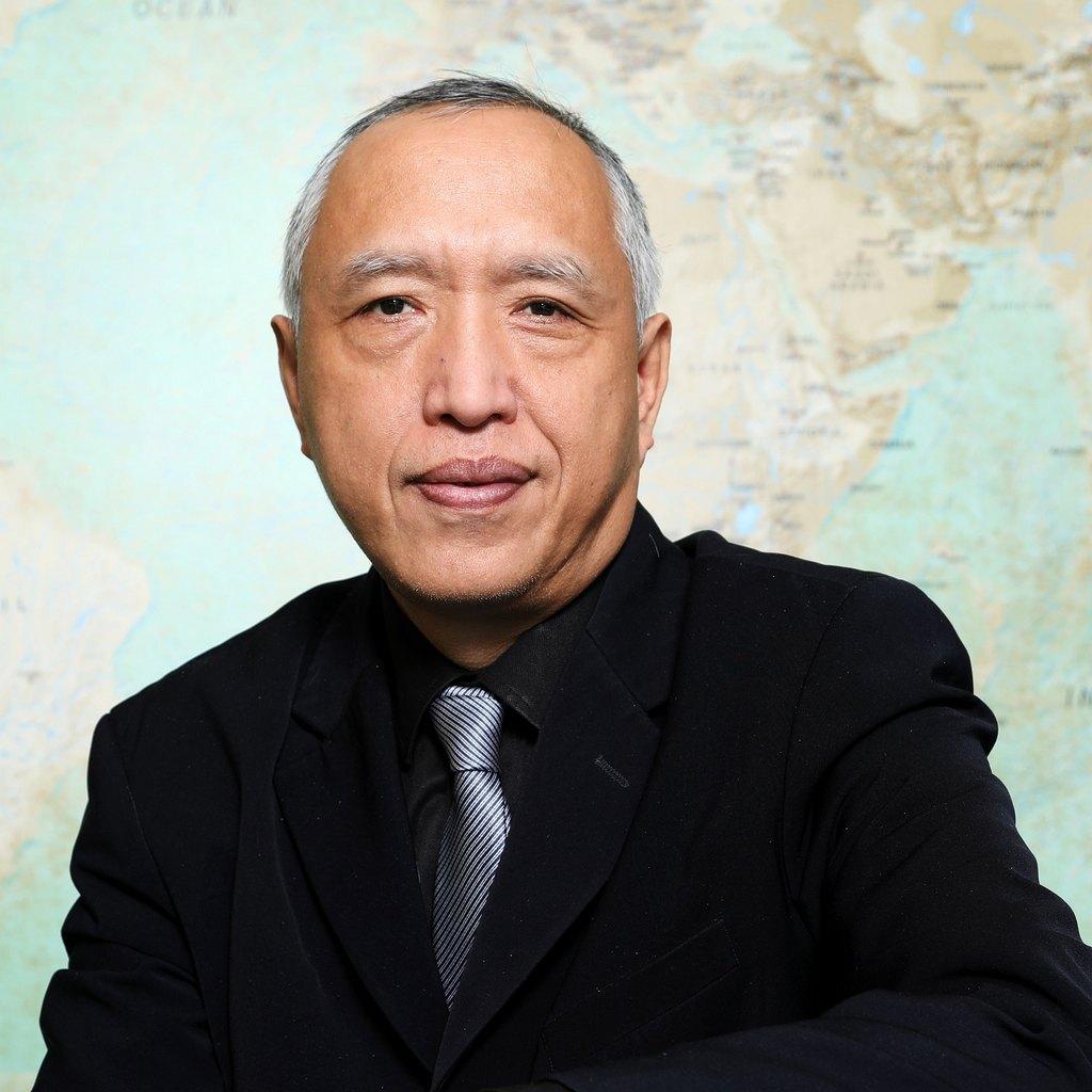 Lun Zhang